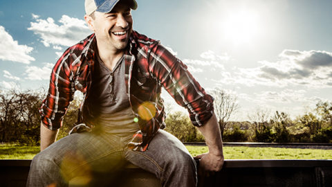"""TONY MCKEE VIDEO """"LIGHTNING BUGS"""" DEBUTS TODAY ON ROUGHSTOCK"""